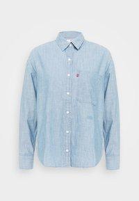 Levi's® - THE RELAXED - Skjorte - light blue denim - 4