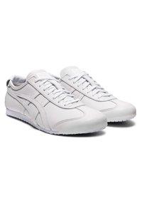 Onitsuka Tiger - MEXICO 66 - Sneakers laag - white - 4