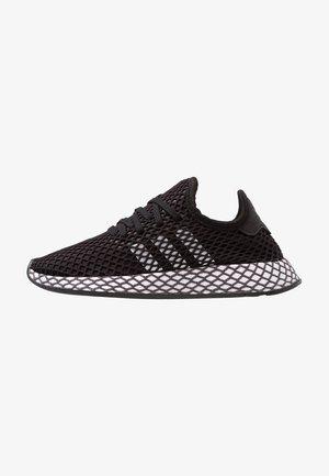 DEERUPT RUNNER - Matalavartiset tennarit - core black/footwear white/grey five