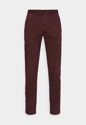 BLEECKER FLEX  - Chino kalhoty - deep burgundy