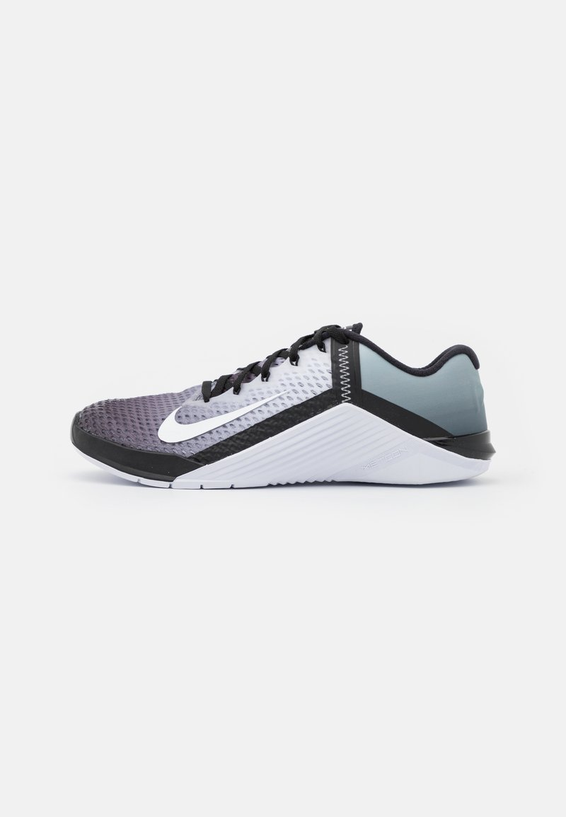 Nike Performance - METCON 6 UNISEX - Treningssko - black/white