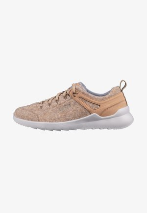 HIGHLAND ARWAY - Trainers - sand