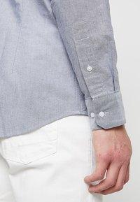 Calvin Klein - BUTTON DOWN OXFORD LOGO - Shirt - blue - 5