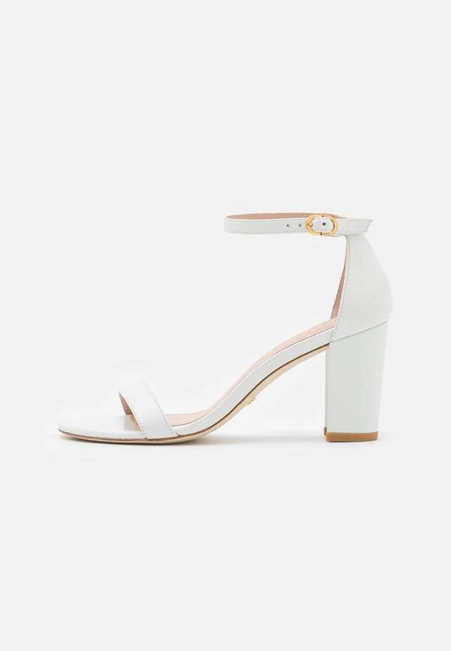 NEARLYNUDE - Sandals - white