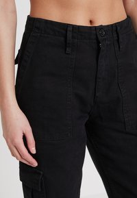 BDG Urban Outfitters - AUTHENTIC CARGO PANT - Cargo trousers - black - 3