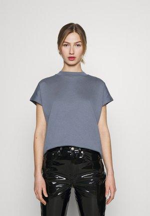 PRIME - T-shirts - grey