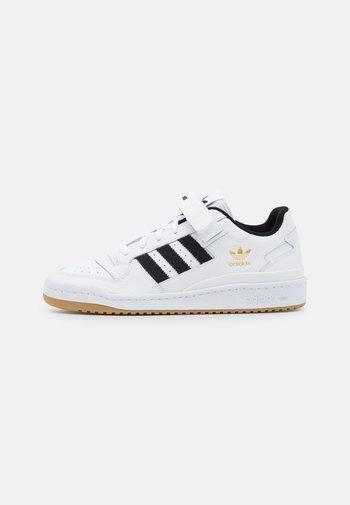 FORUM UNISEX - Sneakers basse - white