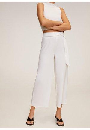 NINE-A - Trousers - weiß