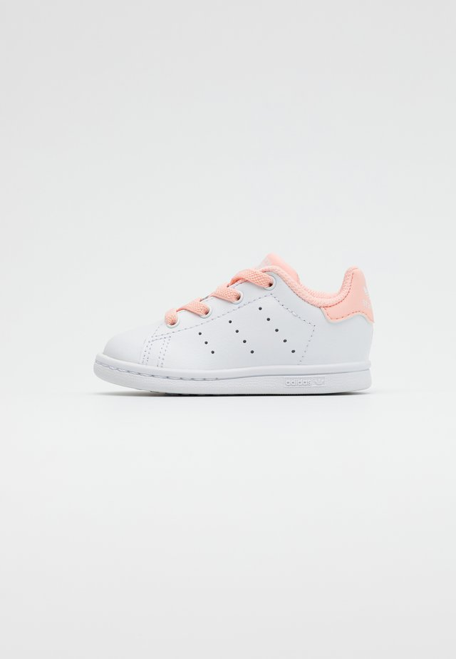 STAN SMITH UNISEX - Sneakers - footwear white/haze coral