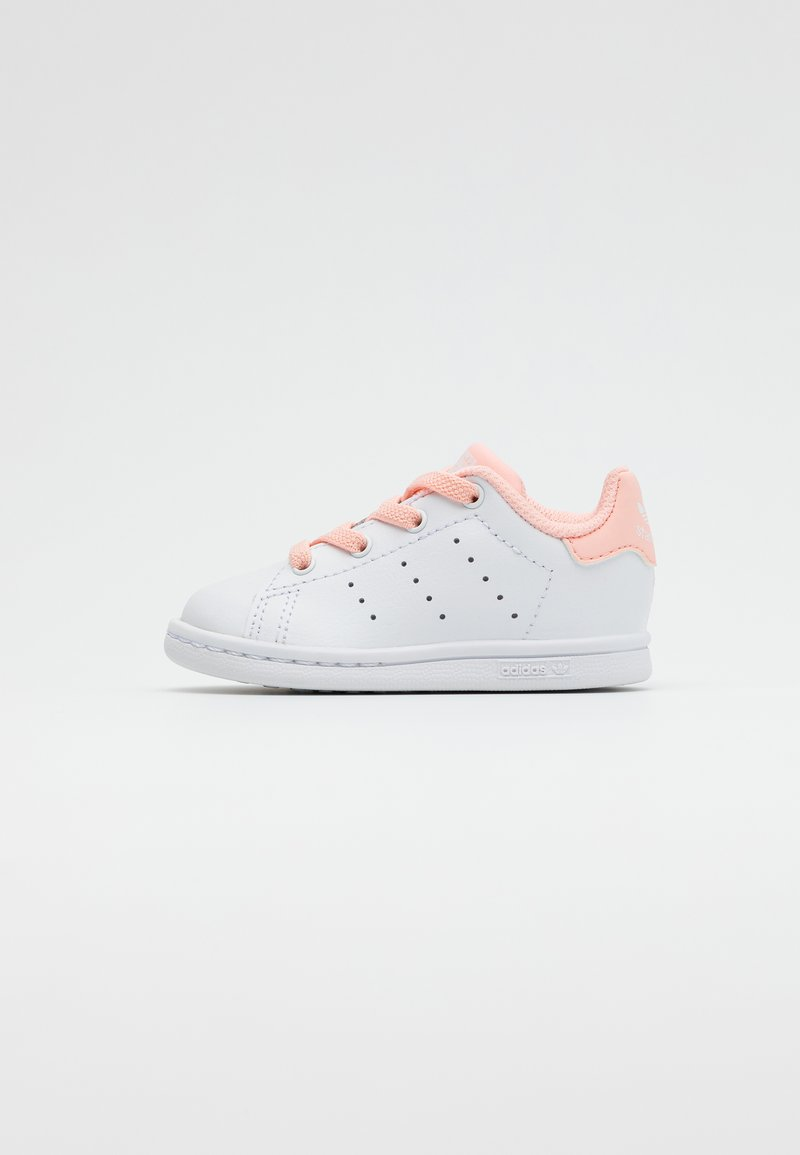 adidas Originals - STAN SMITH UNISEX - Trainers - footwear white/haze coral