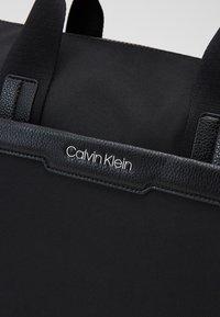Calvin Klein - GYM DUFFLE - Sac week-end - black - 3