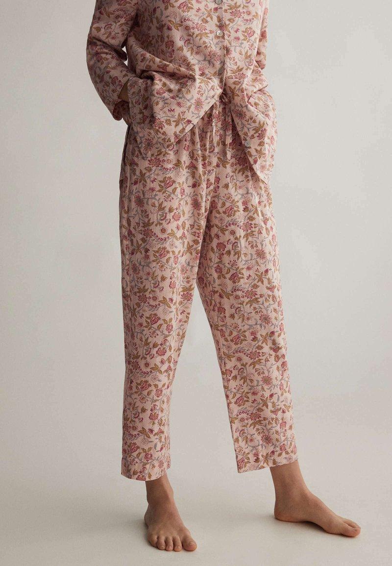 OYSHO - Pyjamahousut/-shortsit - rose
