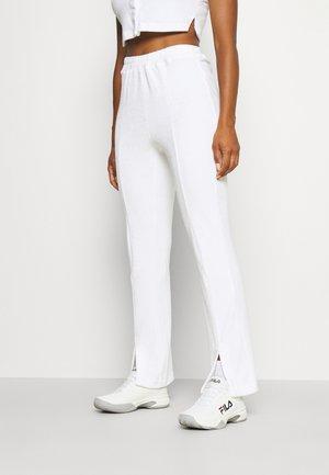 SNAP SPLIT FRONT PANT - Pantalon de survêtement - white