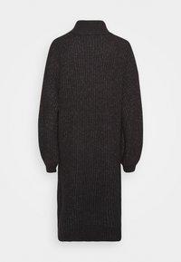 Noisy May Petite - ROBINA - Strikket kjole - dark grey melange - 1