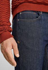s.Oliver - SLIM: SLIM LEG - Slim fit jeans - dark blue - 3