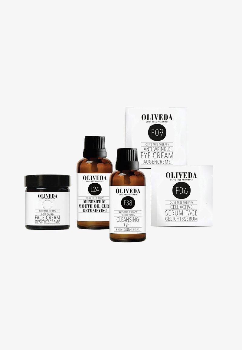 Oliveda - FACIAL CARE TRIAL SET - Set de soins du visage - -