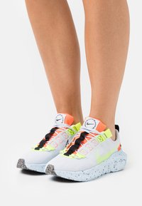 Nike Sportswear - CRATER IMPACT - Trainers - football grey/volt/hyper crimson/black/summit white/chambray blue - 3