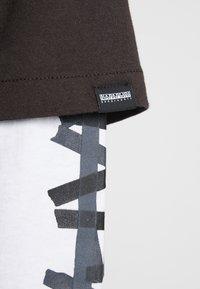 Napapijri The Tribe - SOLT - Langærmede T-shirts - choco brown - 5