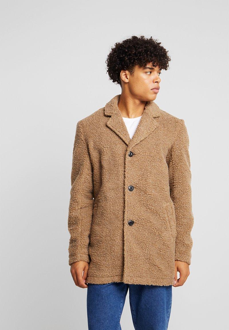 Anerkjendt - AKSAL JACKET - Classic coat - dijon