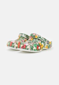 Crocs - CLASSIC PRINTED FLORAL - Klapki - white/multicolor - 2