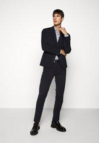 HUGO - KENNO - Formal shirt - dark blue - 1