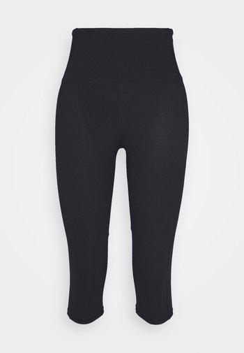 WORKOUT CAPRI - Pantaloncini 3/4 - black