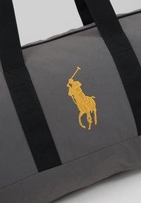 Polo Ralph Lauren - Sportovní taška - dark metal - 7