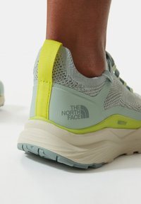 The North Face - ESCAPE - Hiking shoes - green mist wrought iron - 1