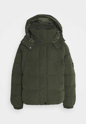 Winter jacket - serpico green