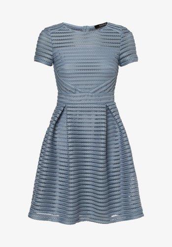 Sukienka koktajlowa - hellblau