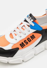 MSGM - UNISEX - Sneakers laag - white/black/orange - 5