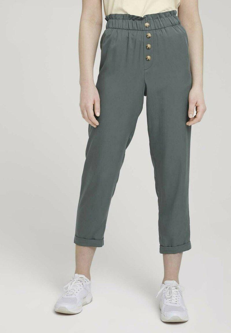 TOM TAILOR DENIM - Trousers - dusty pine green