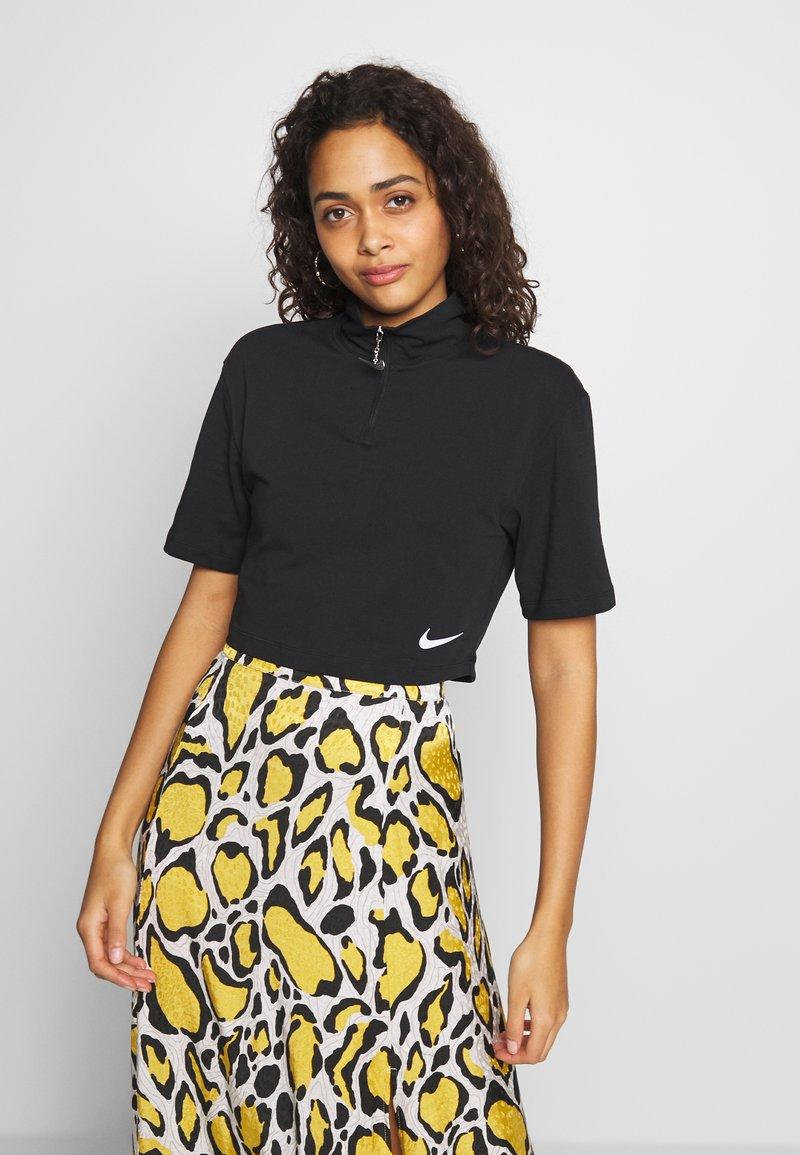 Nike Sportswear - Camiseta estampada - black/white