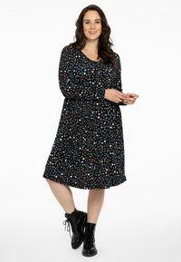 Yoek - MET STERRENPRINT - Jersey dress - black - 1