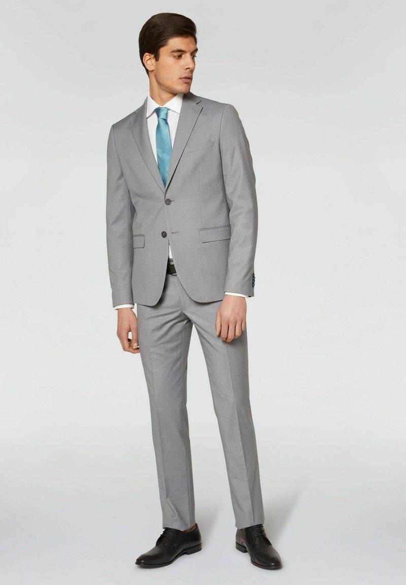 Conbipel - SLIM FIT - Completo - grigio chiaro