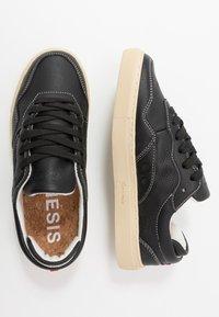 Genesis - SOLEY TUMBLED - Sneakers basse - black - 1