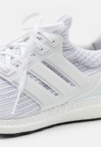 adidas Performance - ULTRABOOST 4.0 DNA UNISEX - Trainers - footwear white/core black - 7