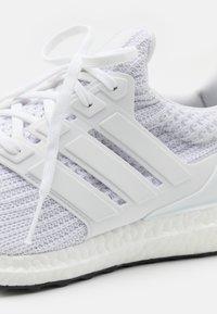 adidas Performance - ULTRABOOST 4.0 DNA UNISEX - Baskets basses - footwear white/core black - 7