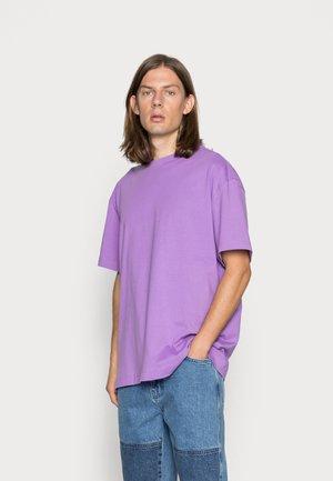 OVERSIZED  - T-shirt basic - purple