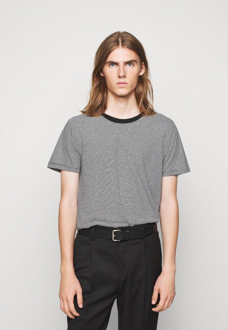 Iro - TAYLER - Print T-shirt - black/white