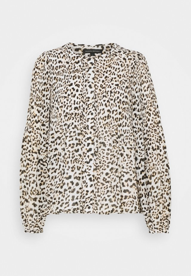 RELEASE PLEAT BUTTON DOWN - Bluzka - cheetah
