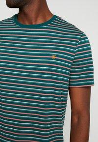 Farah - WEBSTER TEE - Print T-shirt - bright emerald - 4