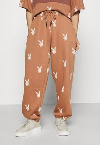 Missguided Petite - PLAYBOY JOGGERS - Tracksuit bottoms - brown - 0