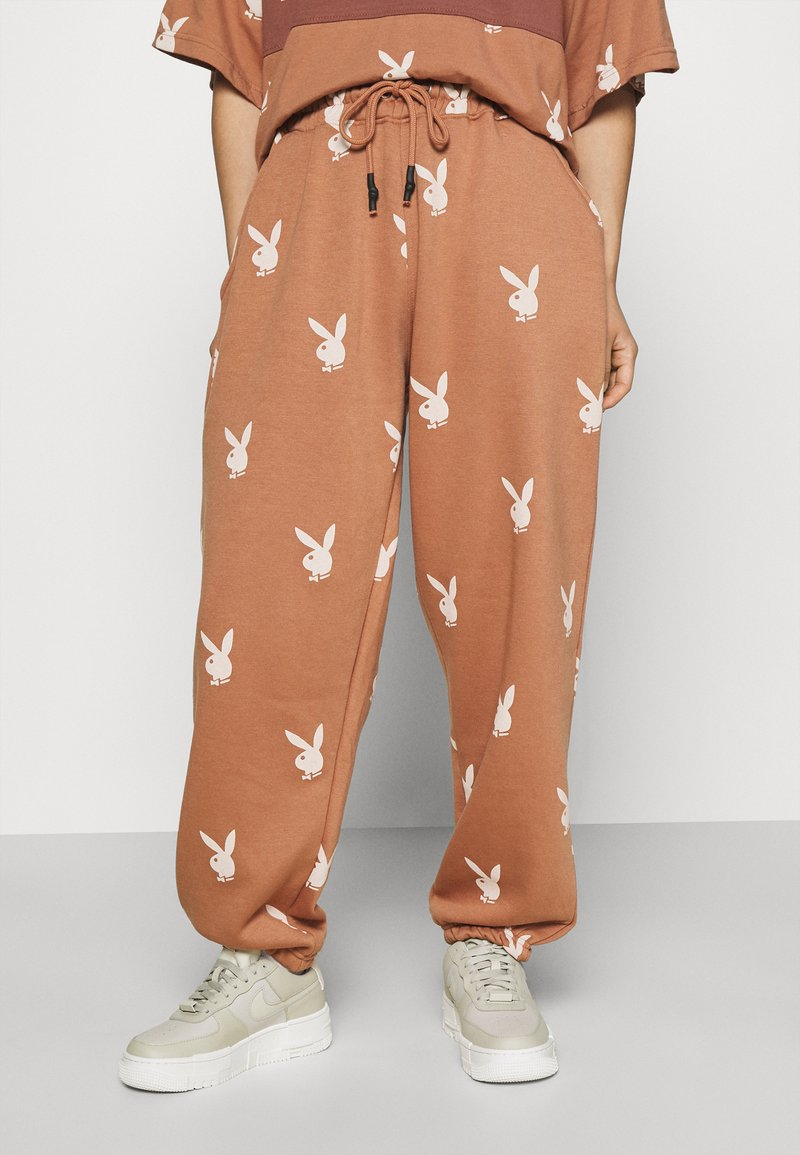 Missguided Petite - PLAYBOY JOGGERS - Tracksuit bottoms - brown