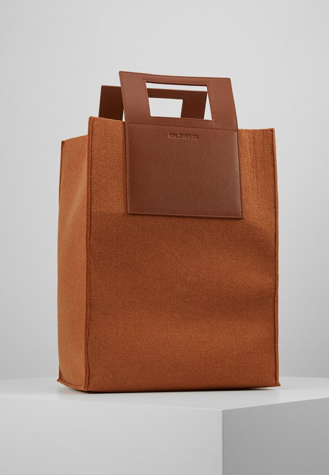 CARRY BIG BAG - Shopping bag - camel