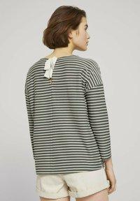 TOM TAILOR DENIM - Long sleeved top - pine green melange stripe - 2