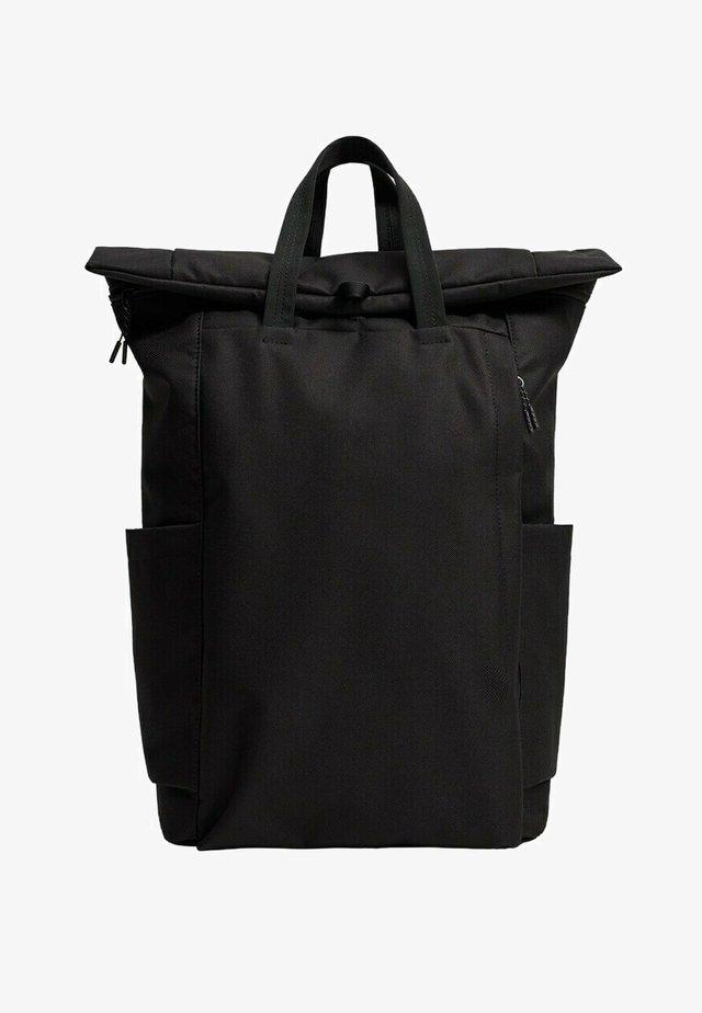Batoh - zwart
