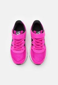 New Balance - Neutral running shoes - pink/black - 3