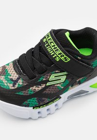 Skechers - FLEX GLOW - Trainers - black/lime - 5