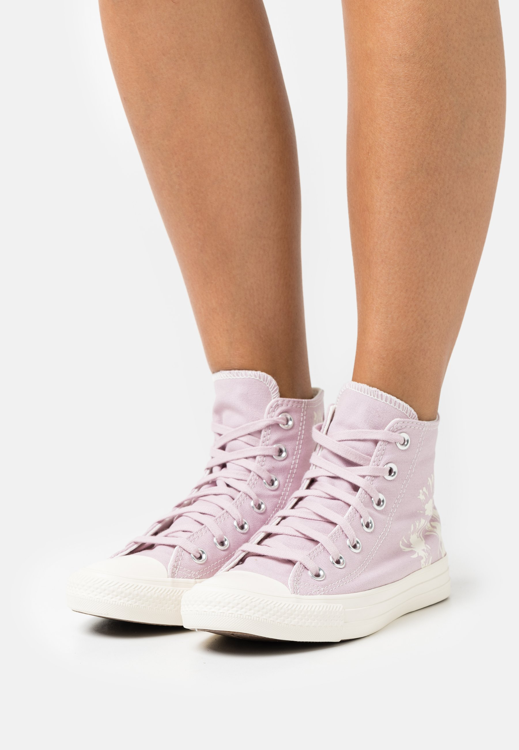 Women CHUCK TAYLOR ALL STAR FLORAL FUSION - High-top trainers
